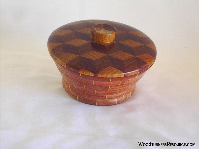 Tumbling block lidded bowl