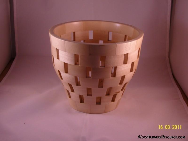 Open segment bowl